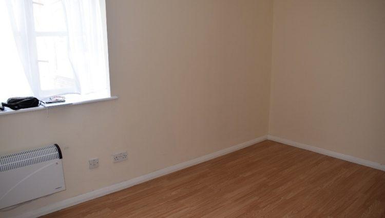 FLAT 7, 28 SCOTLAND GREEN ROAD BEDROOM (2)