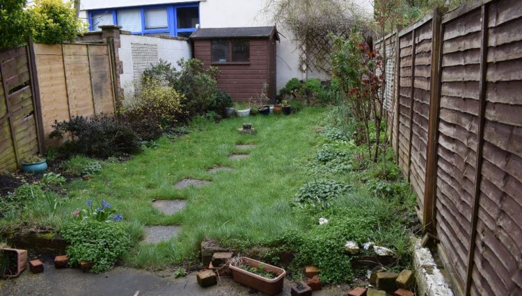 122 BURLEIGH ROAD REAR GARDEN (2)